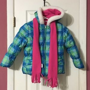 Girls 5/6 puffer jacket with hood and scarf